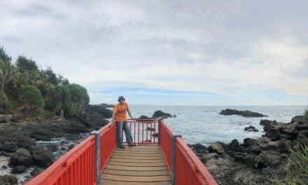 Pesona Pantai Menganti Kebumen Jawa Tengah